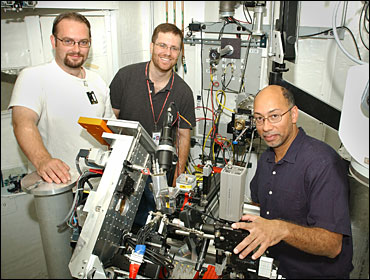Photo of research team at NSLS beamline X13B