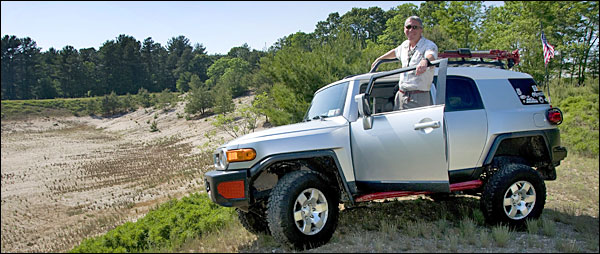 Photo of Casella and FJ Cruiser
