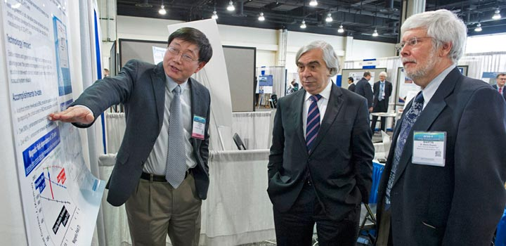 Qiang Li, Ernest Moniz and Martin Rupich