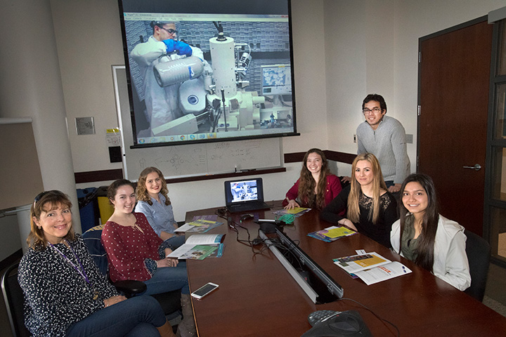 Students and CFN scientist in Videoconference