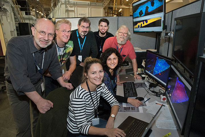 Participants at the SRX beamline at NSLS-II