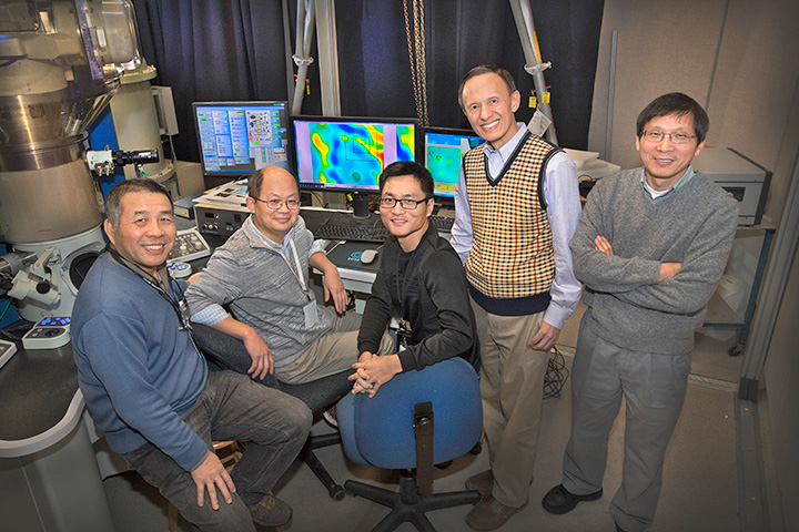 Brookhaven scientists at the TEM facility