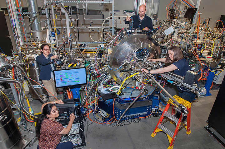 Group prepares the beamline for the next set of experiments.