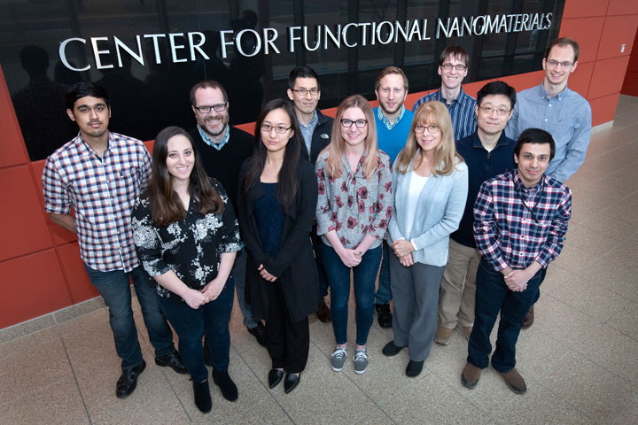 Photo of the Electronic Nanomaterials Group