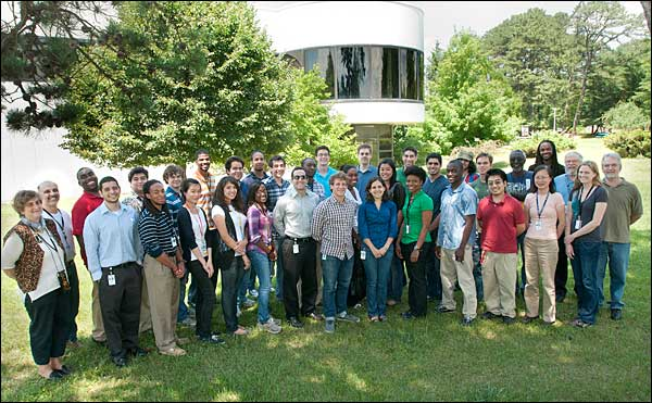 Photon Sciences summer students, professors, and mentors