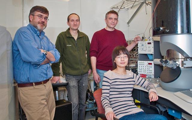 Eric Stach, Dmitri Zakharov, Anatoly Frenkel, and Yuanyuan Li